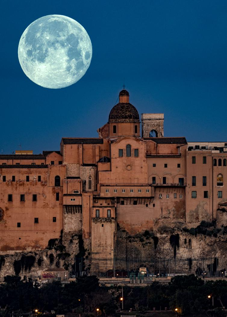 Supermoon -Cagliari